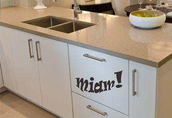 sticker meuble de cuisine miam et d co murale autococollant de cuisine. Black Bedroom Furniture Sets. Home Design Ideas